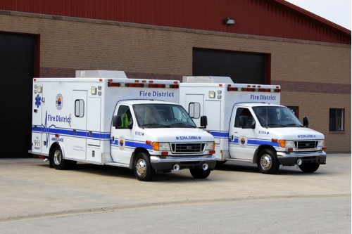 2004 AMBULANCE FORD E-450 TYPE III  2 of 2